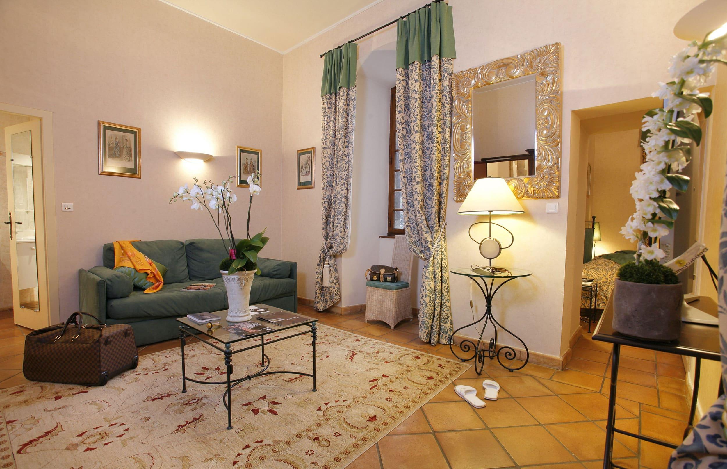 Salon d'une Chambre à ChateauChapeau Cornu à Vignieu dans l'Isère (38)